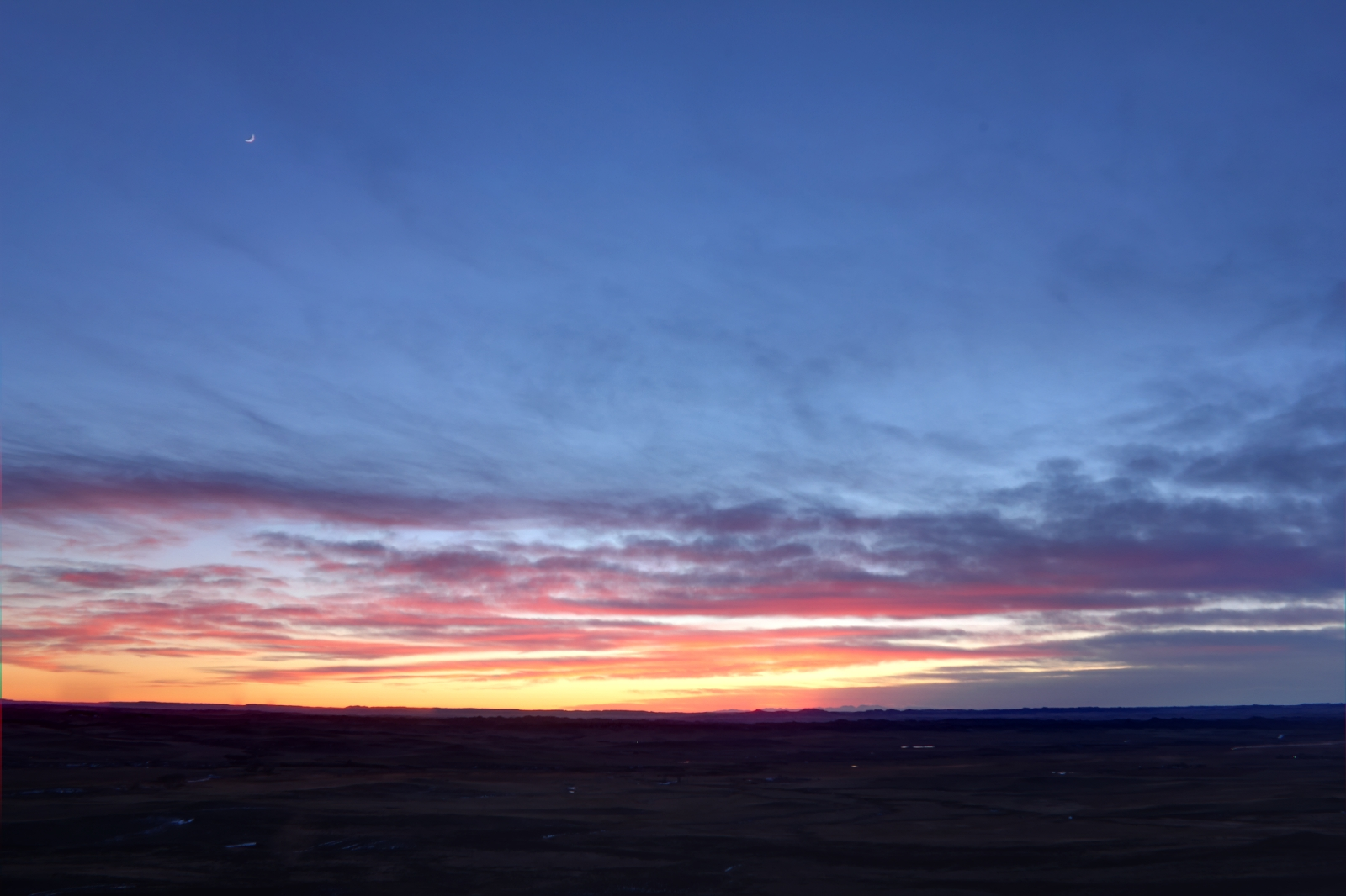 Montana Sunset with Big Horn Mountains on Horizon ...