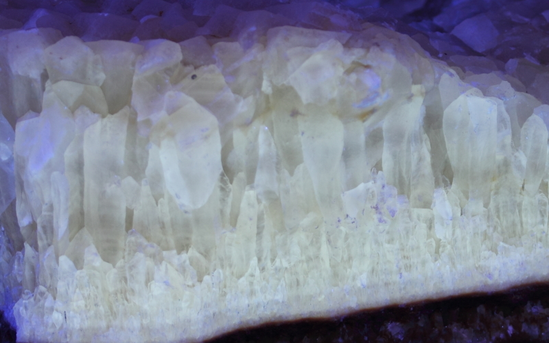 Fluorescent Calcite